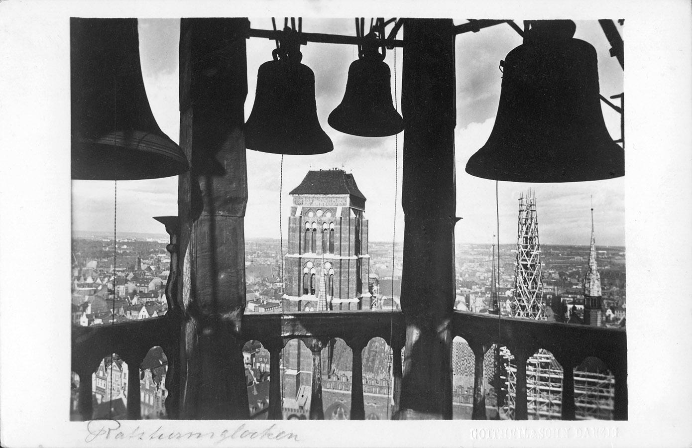 12-Gottheil_carillon_1