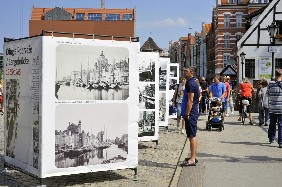 Wystawa Długie Pobrzeże na fotografii z lat 1865-1965. Lipiec 2016 r.